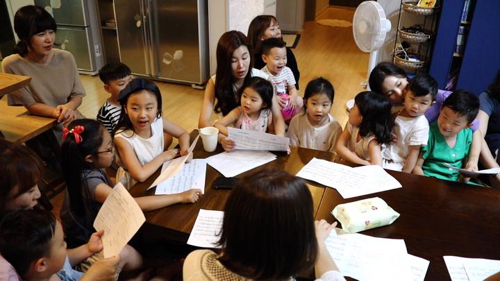 가정예배 드리는 순천강남중앙교회성도들J01.jpg