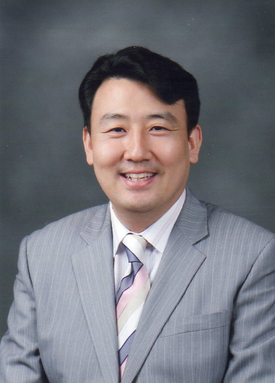 9. 총무 조영만 목사(시온교회).jpg