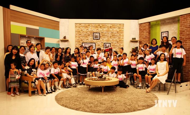 1 CTS JOY어린이영어합창단 본사팀 단체사진01.jpg