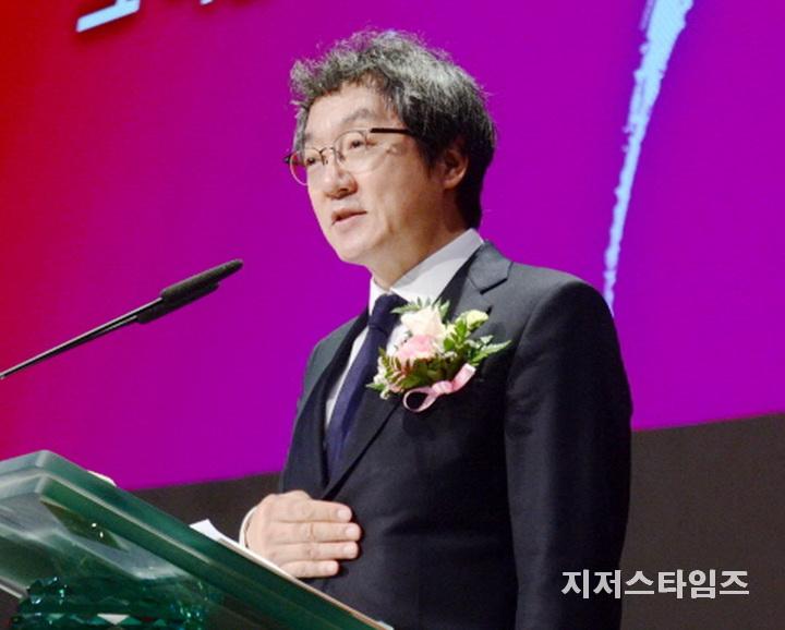 김성현 감독-01.jpg